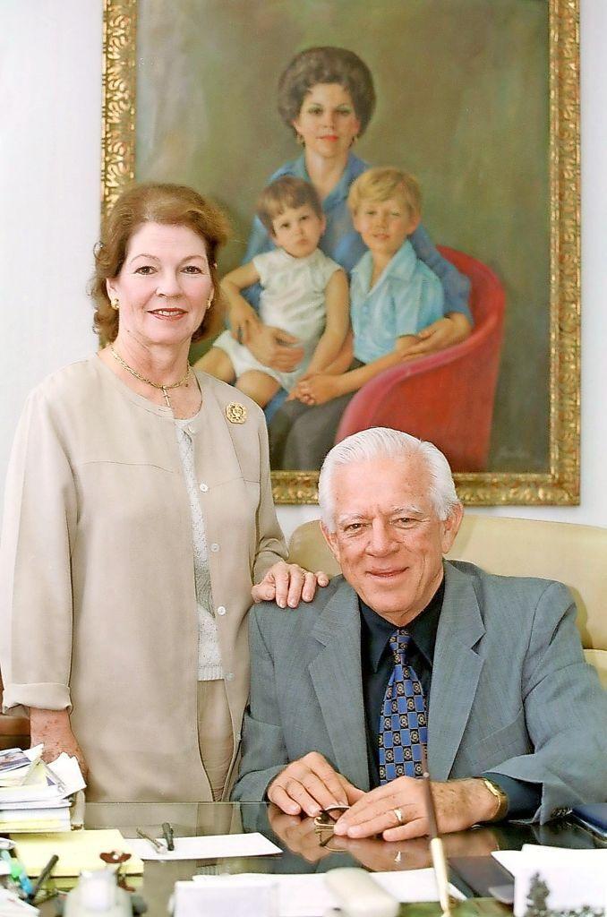 Romero Barcelo y su esposa