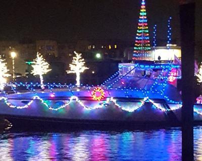 Salinas enciende la Navidad