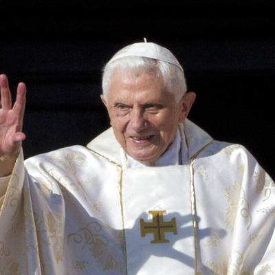 """El papa emérito Benedicto XVI espera reunirse con sus amigos """"en el más allá"""""""