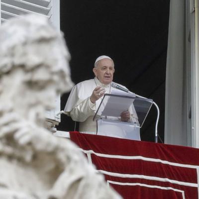 El papa cancela más actividades públicas por dolores neuropáticos