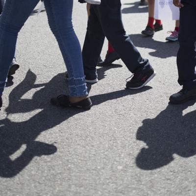 Manifestación en escuela de Utuado por falta de maestros