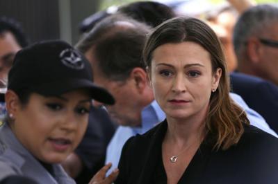 Julia Keleher se quedará con sus abogados