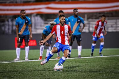 Ricardo Rivera juega al ritmo del fútbol español