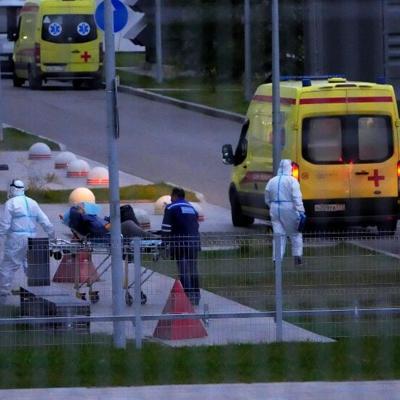 Los casos de coronavirus en Rusia superan los ocho millones