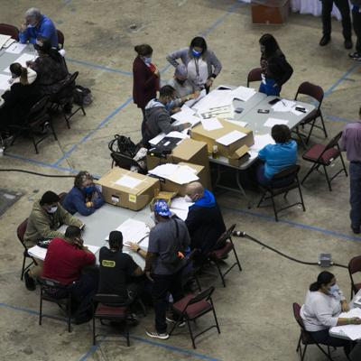Escrutinio y conteo de votos dejan más casos de Covid-19 en Coliseo