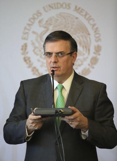 Mexicanos lamentan aparente crimen de odio en El Paso