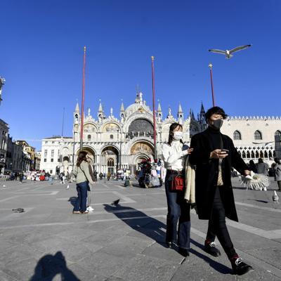Italia reabre escuelas y museos en medio de brote por coronavirus