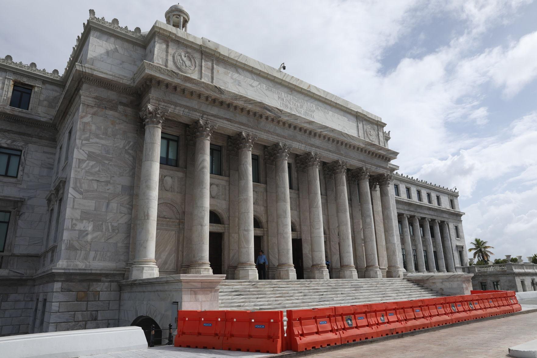 Sacan a periodistas y empleados del Capitolio
