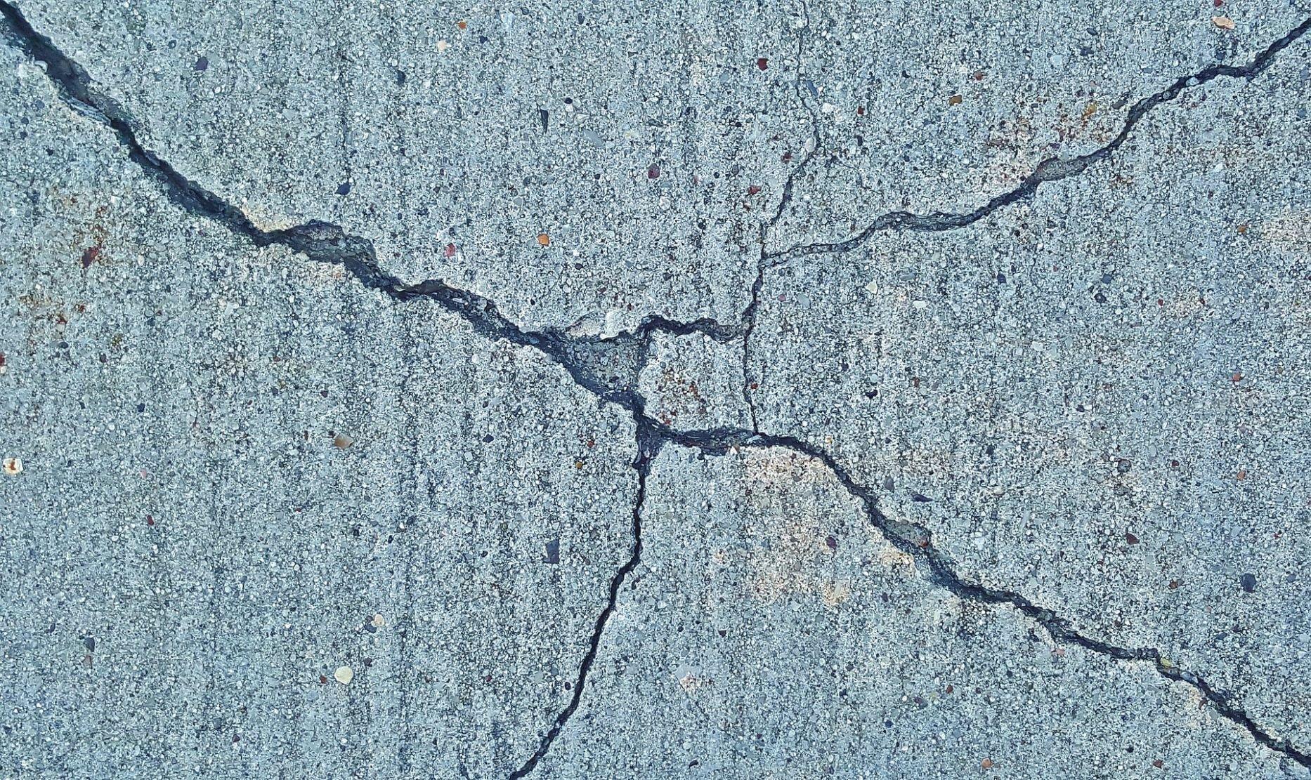 Dos muertos por sismo de magnitud 5.9 al sur de China
