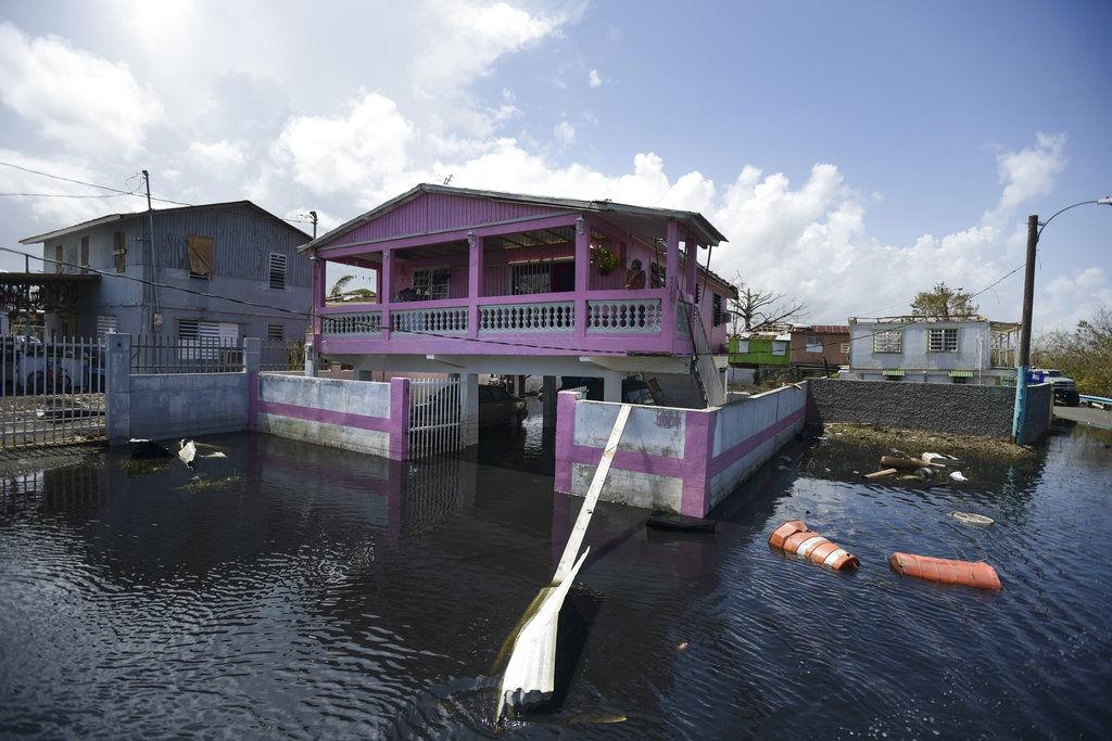 Trump endurece el tono y ataca a las autoridades de Puerto Rico