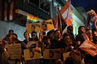 Siguen llegando manifestantes a La Fortaleza