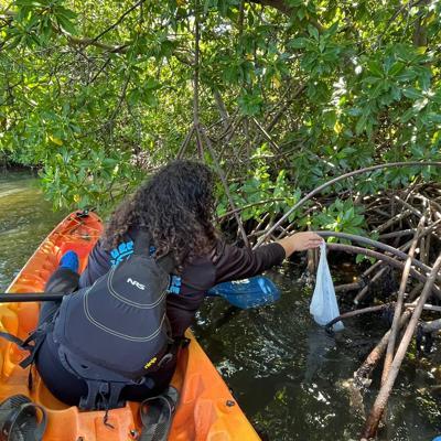 La organización Scuba Dogs Society logra remover más de 43,000 libras de basura en las costas