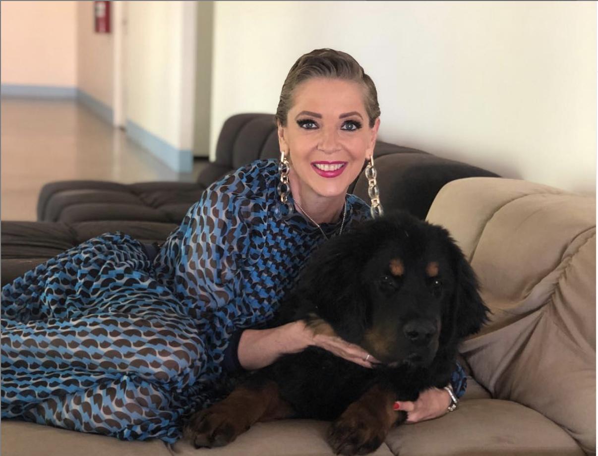 Conoce al perro de Edith González