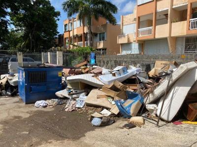 Entre los escombros Condominio de Río Piedras