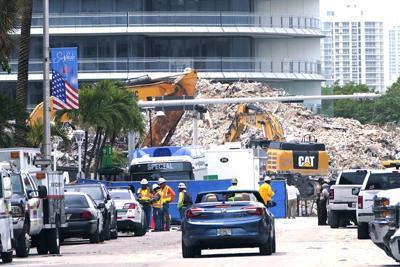 Concluye búsqueda de cuerpos en el edificio derrumbado en Miami