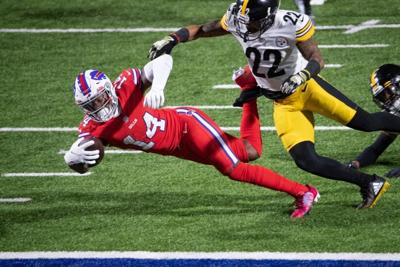 Allen impulsa a Bills al superar a unos erráticos Steelers