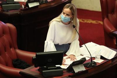 """La senadora Joanne Rodríguez considera que aumento en factura de la luz """"estrangulará"""" a muchas familias y negocios"""