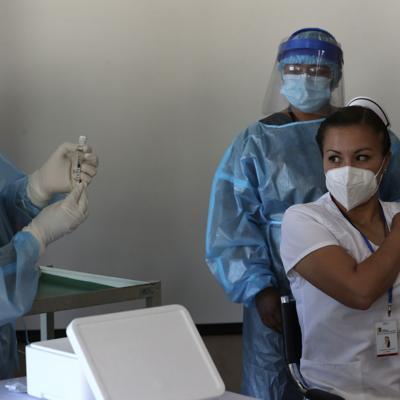 Inicia proceso de vacunación para Covid-19 en Ecuador