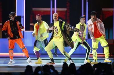 Maluma y CNCO en los Premios MTV