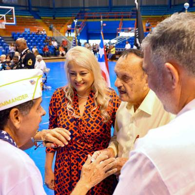 Gobernadora enmienda ley para que veteranos tengan acceso a filas expreso