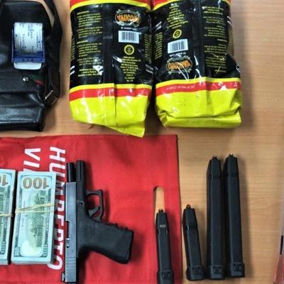 Arrestan a pareja sorprendida con más de dos kilos de cocaína