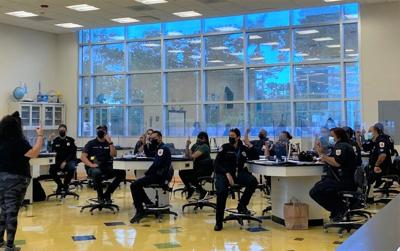 Policías municipales de Carolina se capacitan en lenguaje de señas