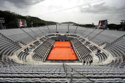 Lluvia pospone debuts de Federer, Nadal y Djokovic en Roma