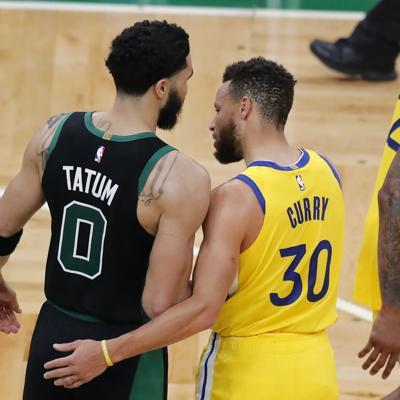Tatum anota 44 puntos y Celtics superan a Warriors