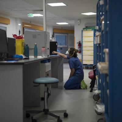 Francia supera las 100,000 muertes por coronavirus