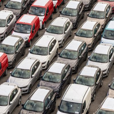 Caída de 66.1% en la venta de autos