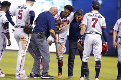 Una lesión de rodilla acaba con la temporada de Ronald Acuña Jr.