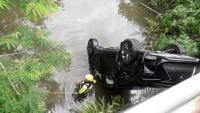Hallan cadáver de mujer dentro de vehículo en Gurabo