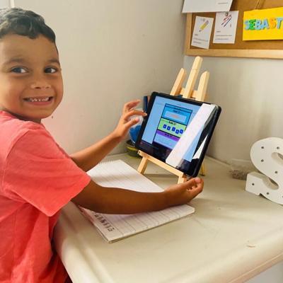 Niños podrán continuar sus estudios a distancia
