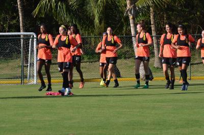 Onceno boricua femenino completa primer entrenamiento en Punta Cana