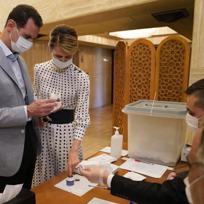 El presidente sirio y su esposa dan positivo a covid-19