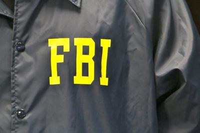 El FBI arresta a cuatro personas en un operativo en un residencial en Cataño