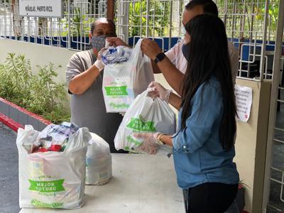 SuperMax y Salvation Army entregan compras a afectados por sismos del sur