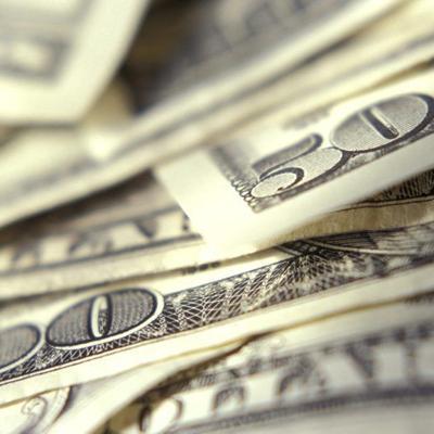 Hurtan más de $10,000 en efectivo de residencia