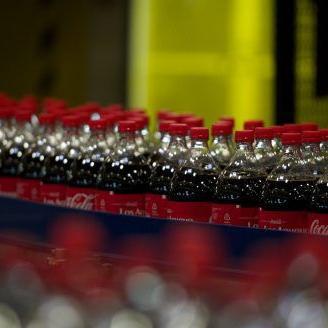 Coca Cola y Claro lanzan concurso con lata de edición especial