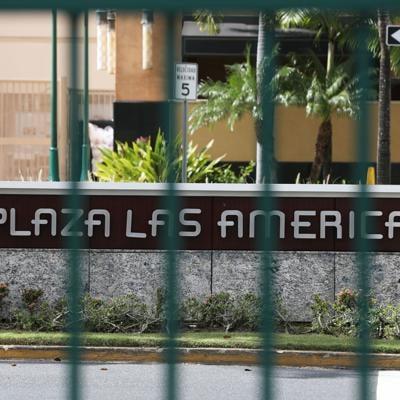 Llueven las querellas contra tienda en Plaza las Américas