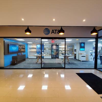 AT&T abre seis nuevas tiendas estudio