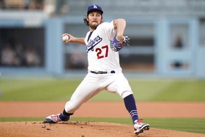 Los Dodgers retiran mercancía de Bauer de sus tiendas
