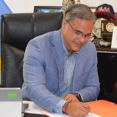 Alcalde de Luquillo costea prueba de covid-19 de sus ciudadanos