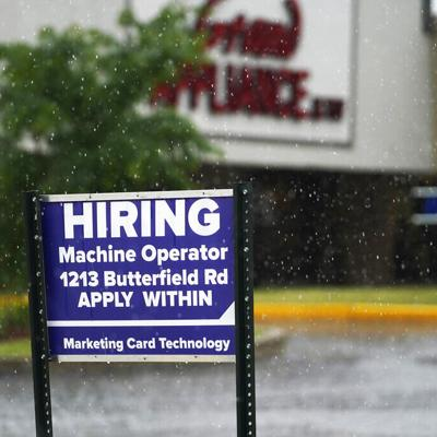 Bajan las solicitudes del seguro semanal por desempleo en Estados Unidos