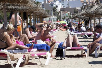 Una variante amenaza a Europa mientras países abren al turismo