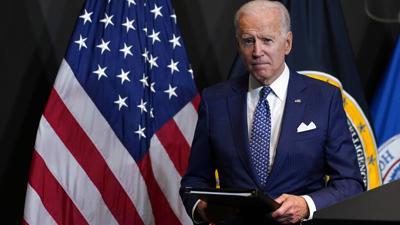 Joe Biden sopesa la vacunación obligatoria para empleados federales