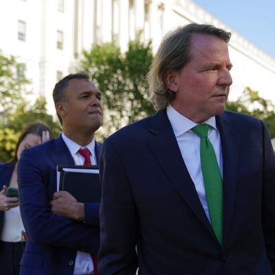 El Departamento de Justicia federal solicitó información de cuentas del exabogado de la Casa Blanca