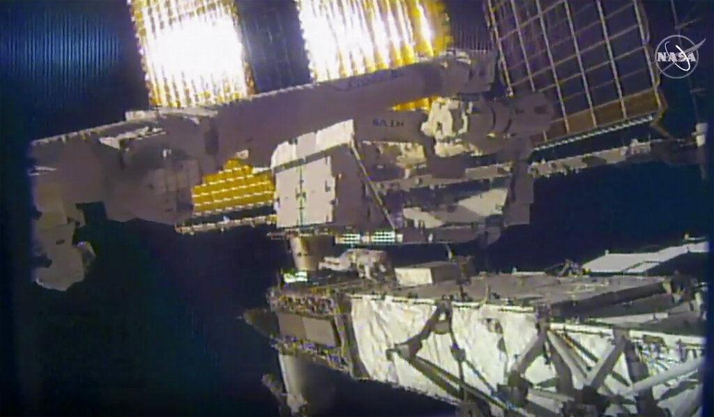 Astronauta Un Viaje Al Espacio Bord/ó El Hierro En Coser En El Remiendo