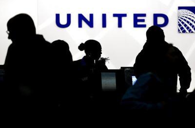 Pasajero arrastrado de United Airlines perdió dos dientes