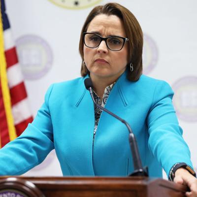 Justicia presenta cargos contra ciudadanos por violar Orden Ejecutiva